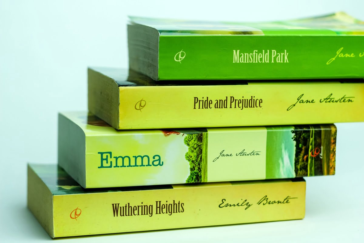 Hiresstock.com - 150122 Sri Noor Verawaty - Classic Literature Books_IMG_1920