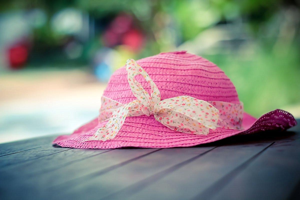 Hiresstock.com - 150130 Sri Noor Verawaty - Pink Hat - IMG_3082