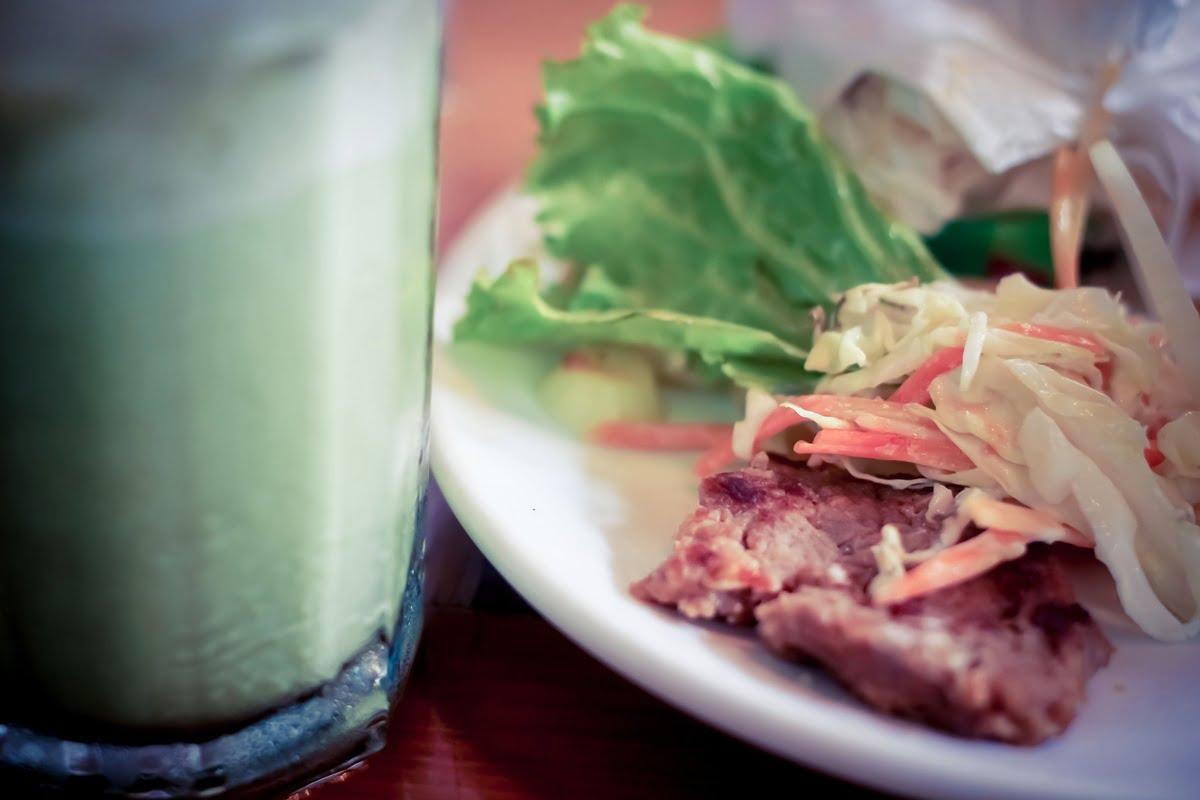Hiresstock.com - 150205 Sri Noor Verawaty - Salad and green tea - IMG_3628